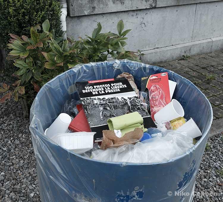 La liberté de la presse dans la poubelle